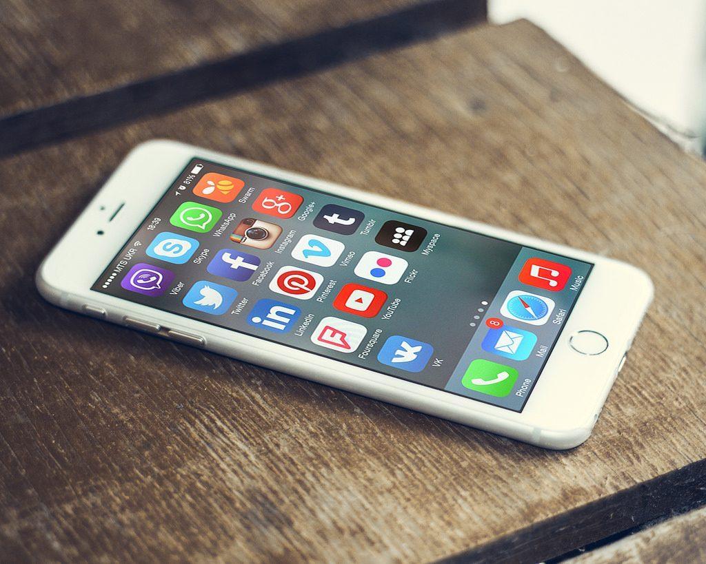 Temat szacowania kosztów i projektowania aplikacji mobilnych jest bardzo rozległy.