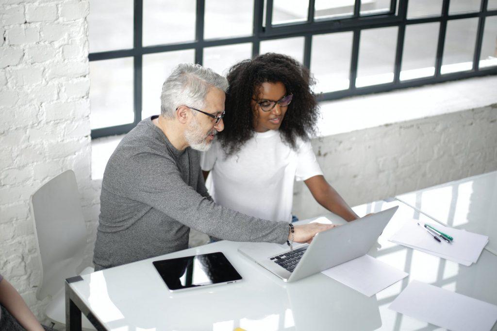 współpraca w biurze